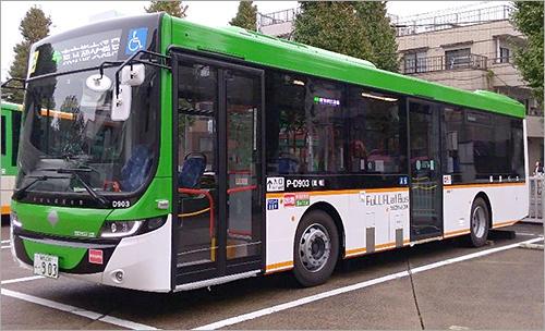 日本初!都営バスでフルフラット...